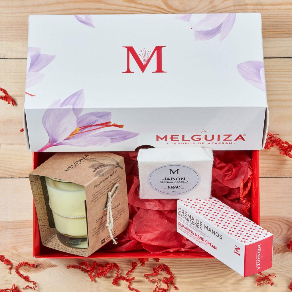 Lote regalo de La Melguiza con vela, jabón de arcilla blanca y crema de manos